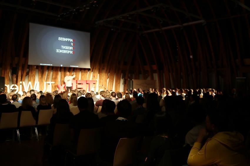 Dr. Roman Braun bei Tedx TU Vienna