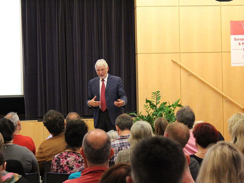 Das war der Abendvortrag von Prof.Dr.Dr. Gerhard Roth...